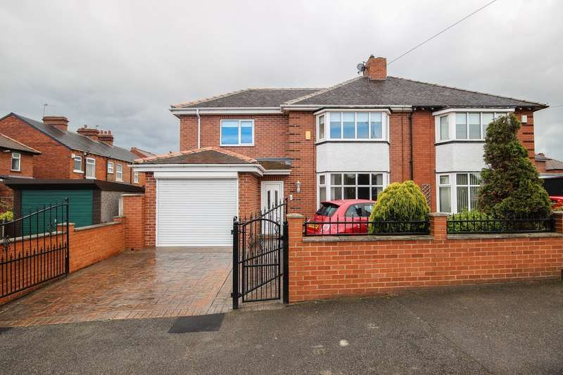 4 Bedrooms Semi Detached House for sale in Moxon Grove, Wakefield, West Yorkshire, WF1