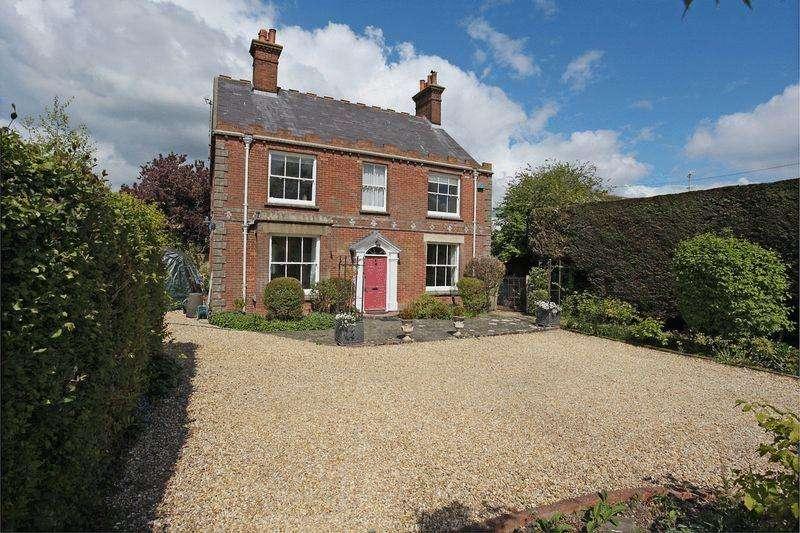 5 Bedrooms Detached House for sale in Bishops Lane, Ringmer, East Sussex