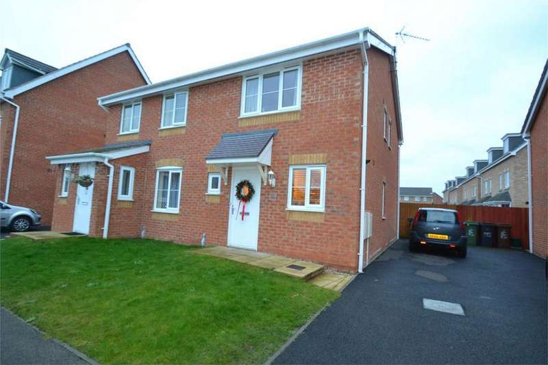 2 Bedrooms Semi Detached House for rent in Magpie Close, Corby, Northamptonshire