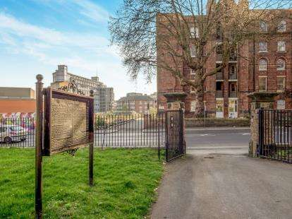 1 Bedroom Flat for sale in Park View Court, Bath Street, Nottingham, Nottinghamshire
