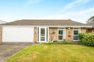 4 Bedrooms Bungalow for sale in Belvedere Road, Biggin Hill, Westerham, Kent