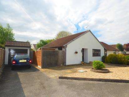 3 Bedrooms Bungalow for sale in Weston Super Mare, Somerset