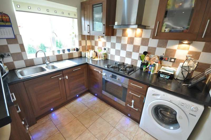 3 Bedrooms Semi Detached House for sale in Manor House Lane, Homeslack, Preston, Lancashire, PR1 6HP