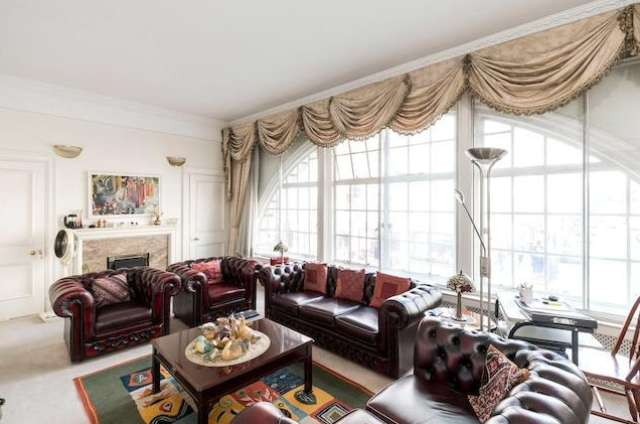 2 Bedrooms Flat for sale in Chiltern House, Baker street NW1