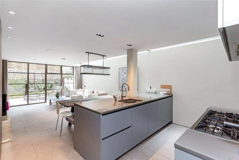 5 Bedrooms Terraced House for sale in Winchendon Road, Fulham, London, SW6