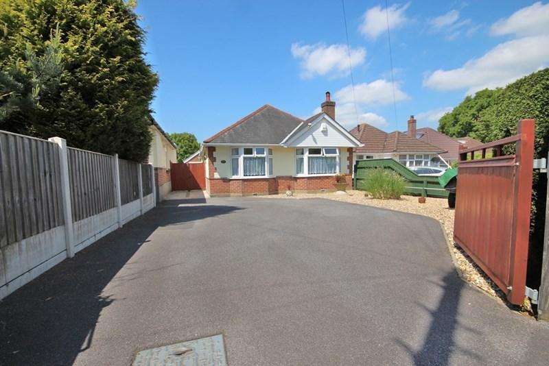3 Bedrooms Detached Bungalow for sale in Darbys Lane, Oakdale, Poole