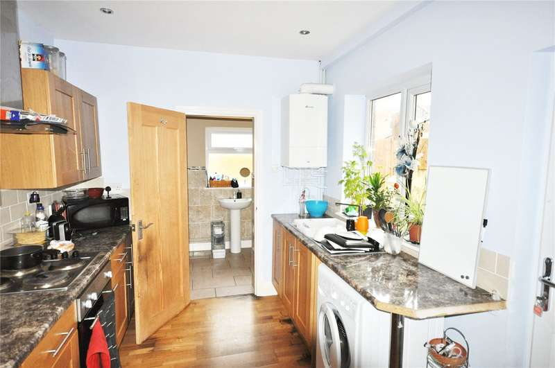 3 Bedrooms Terraced House for sale in Chester Street, Swindon, Wiltshire, SN1