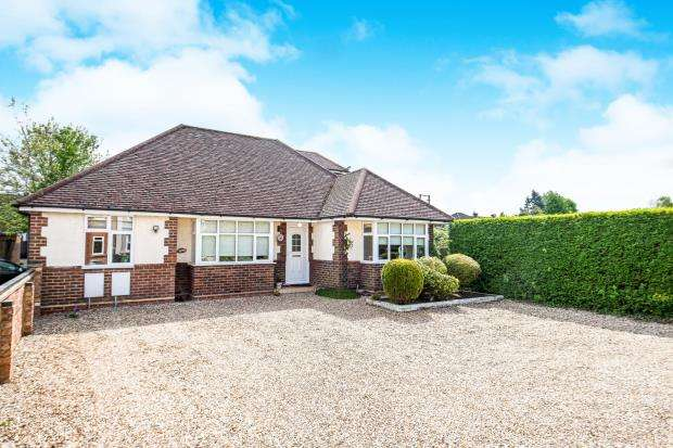 4 Bedrooms Bungalow for sale in Tongham, Farnham, Surrey