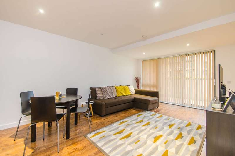 2 Bedrooms Flat for sale in Kerensky House, Canary Wharf, E14
