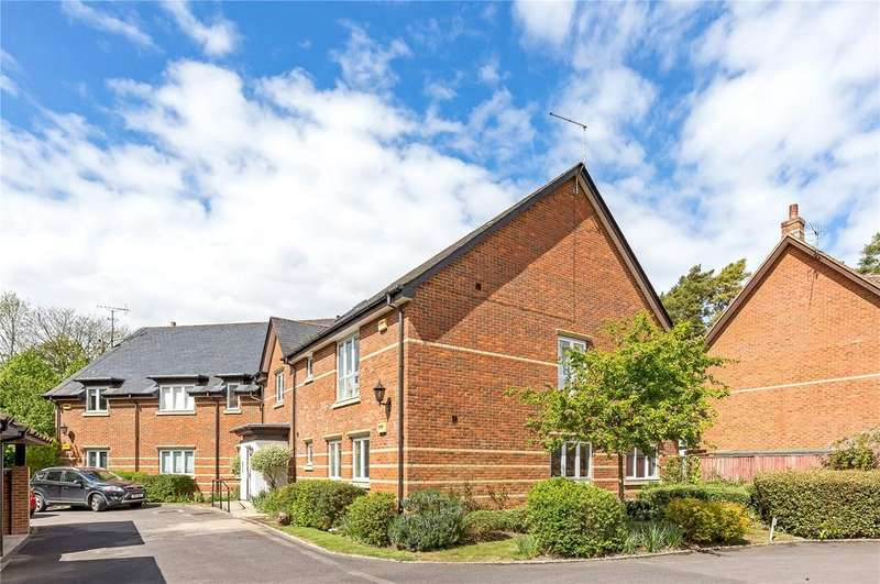2 Bedrooms Flat for sale in Newton Lane, Romsey, Hampshire, SO51