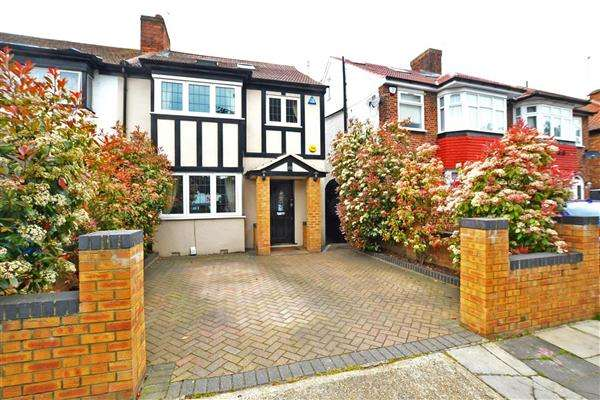 4 Bedrooms Semi Detached House for sale in Jersey Road, Osterley