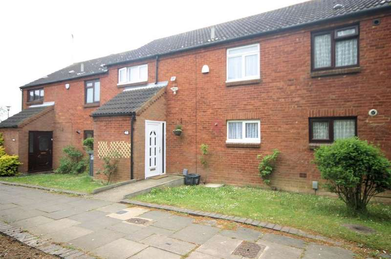 3 Bedrooms Terraced House for sale in Links Way, Luton