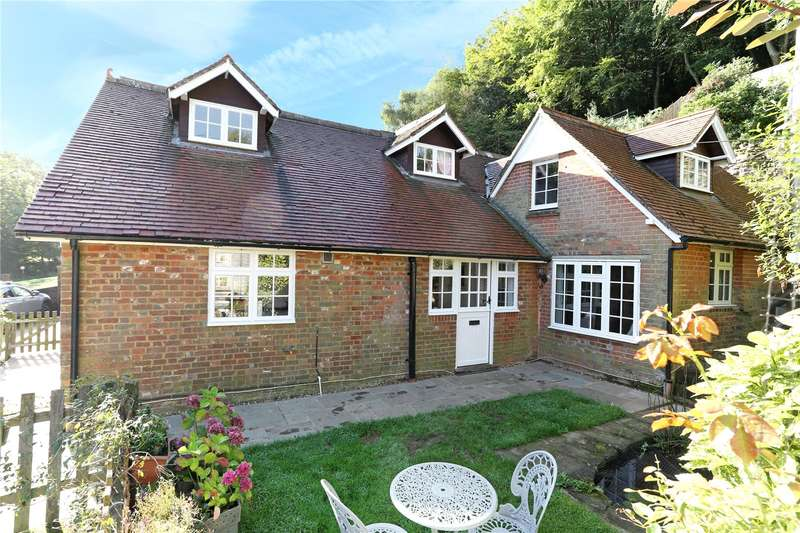 4 Bedrooms Detached House for sale in Holmbury St. Mary, Dorking, Surrey, RH5