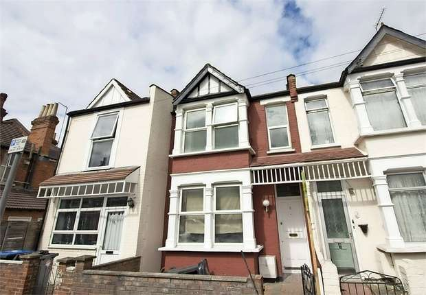 3 Bedrooms Terraced House for sale in Yewfield Road, London