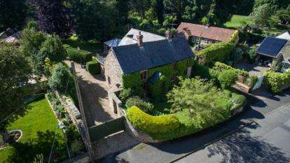 5 Bedrooms Detached House for sale in Main Road, Heath, Chesterfield, Derbyshire