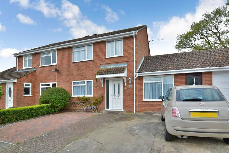 3 Bedrooms Semi Detached House for sale in Herolf Way, Harleston