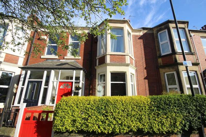 4 Bedrooms Terraced House for sale in Eastbourne Gardens, Whitley Bay, NE26