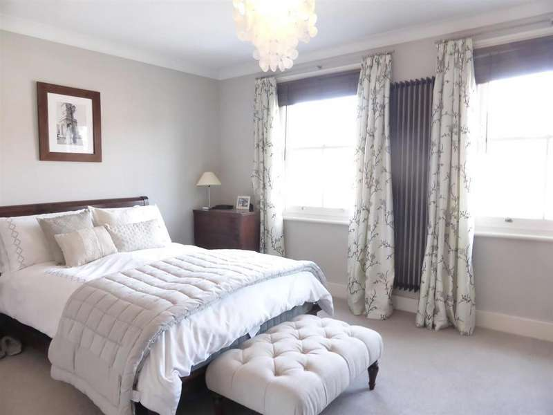4 Bedrooms Terraced House for sale in Reading Road, Pangbourne