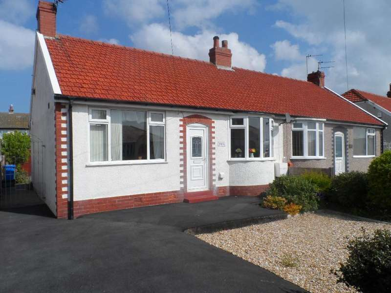2 Bedrooms Detached Bungalow for sale in Cumberland Avenue, Cleveleys, FY5 2PW