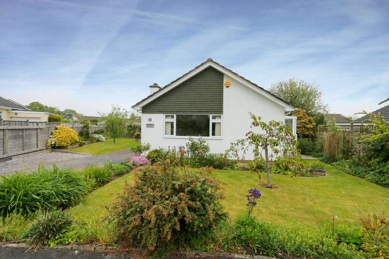 3 Bedrooms Detached Bungalow for sale in Langaller Close, Bovey Tracey