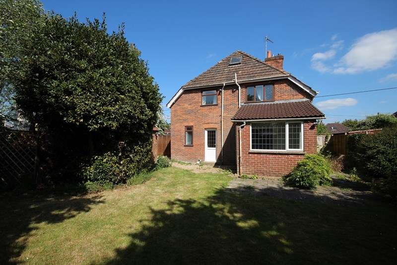 4 Bedrooms Detached House for sale in Eastfield Lane, Ringwood