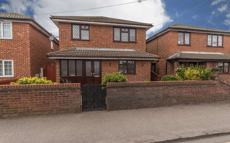 4 Bedrooms Detached House for sale in High Street, Canvey Island, SS8