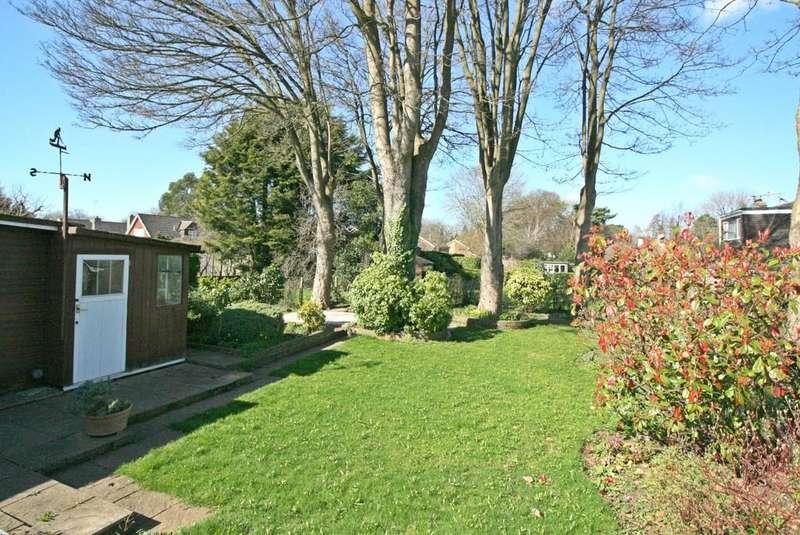 3 Bedrooms Semi Detached Bungalow for sale in Kenley, Surrey