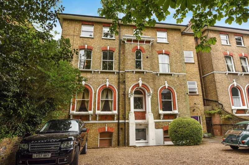 1 Bedroom Flat for sale in Kidbrooke Park Road Blackheath SE3