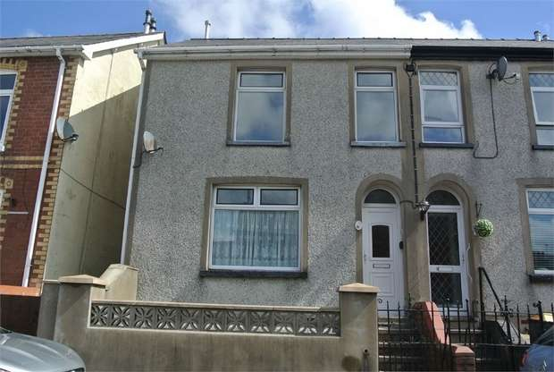 3 Bedrooms End Of Terrace House for sale in Gladstone Terrace, Blaenavon, PONTYPOOL, Torfaen