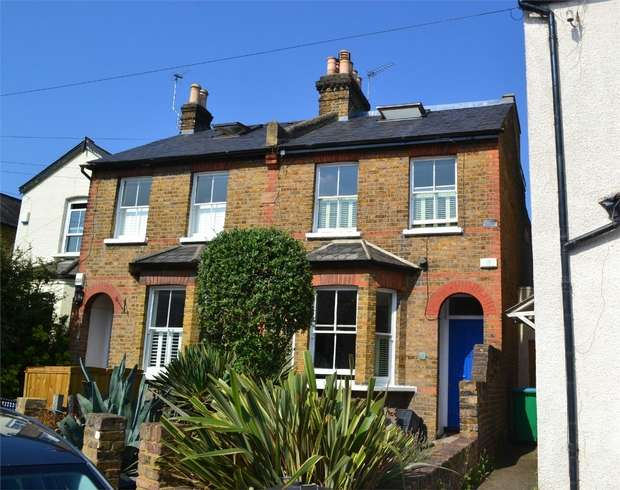 3 Bedrooms Semi Detached House for sale in St Margarets Grove, St Margarets, Twickenham