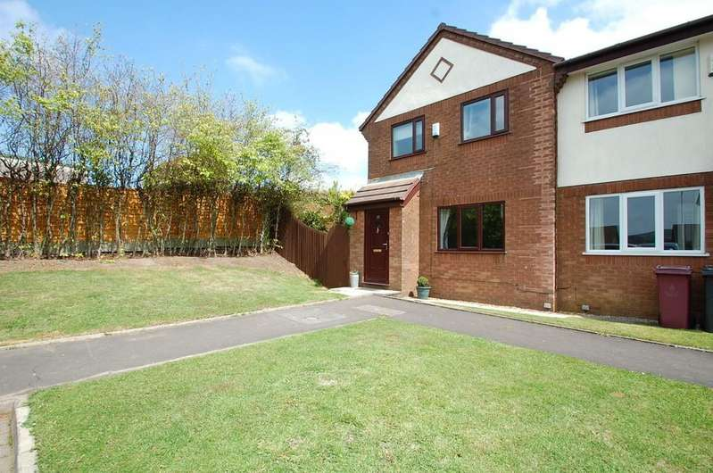 3 Bedrooms Town House for sale in Abbey Place, Priory, Darwen
