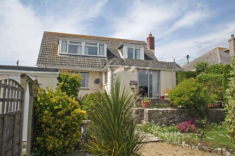 3 Bedrooms Detached House for sale in Toms Field Road, Swanage