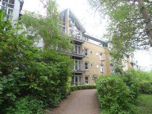 2 Bedrooms Flat for sale in Bingley Court, Canterbury