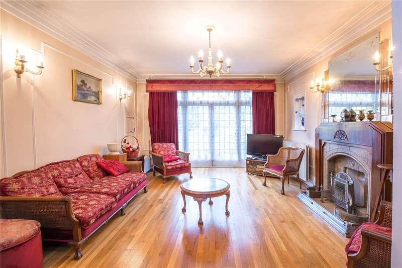 5 Bedrooms Detached House for sale in Tillingbourne Gardens, Finchley, London, N3