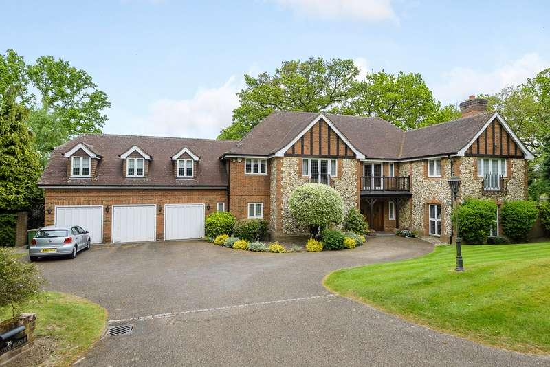 5 Bedrooms Detached House for sale in Oxshott