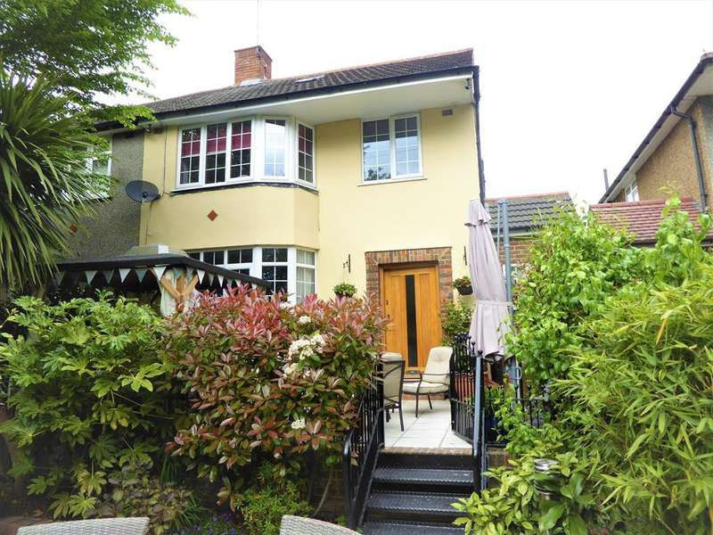 4 Bedrooms Semi Detached House for sale in Watling Street, Bexleyheath, Kent, DA6 7QQ