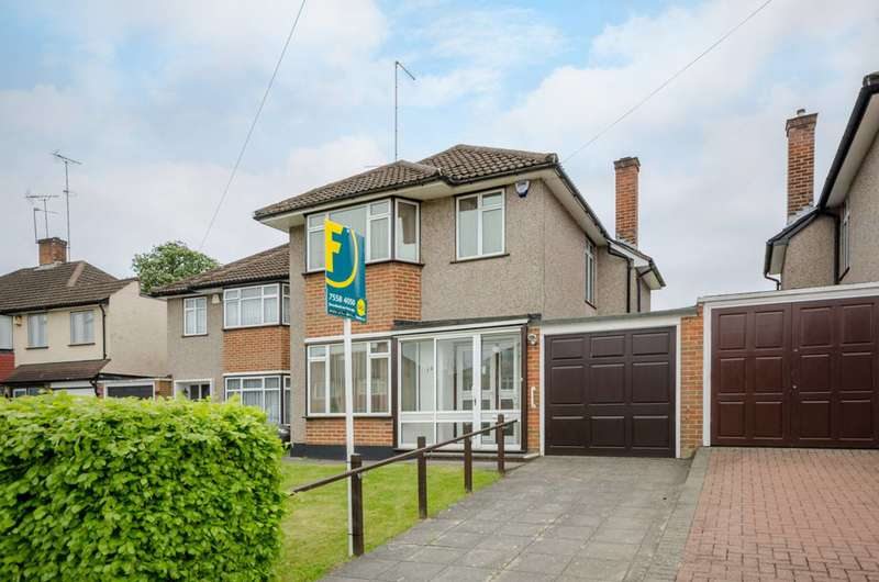 3 Bedrooms House for sale in Lonsdale Drive, Oakwood, EN2