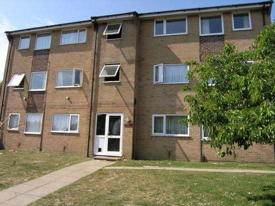 2 Bedrooms Flat for sale in Slepe Crescent, Parkstone, Poole BH12
