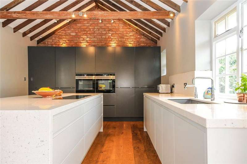 5 Bedrooms House for sale in Church Lane, Sompting, Lancing, West Sussex, BN15