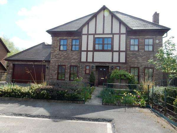 5 Bedrooms Detached House for sale in Lion Bridge Close, Wynyard, Stockton on Tees TS22