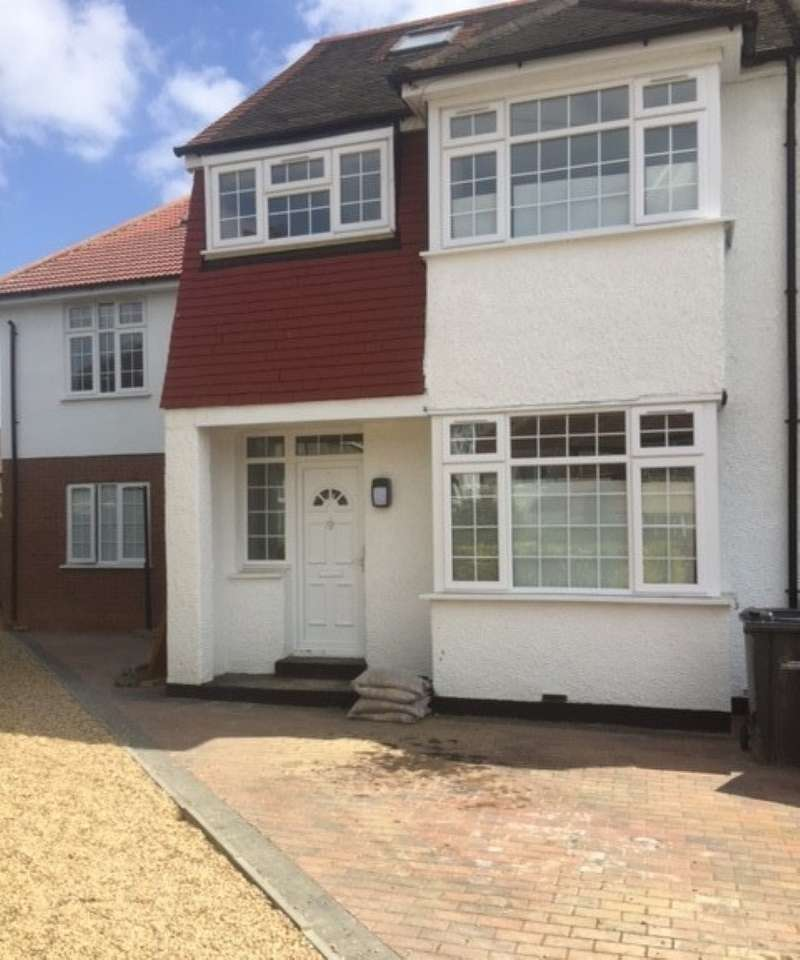 5 Bedrooms Terraced House for sale in St. Ursula Road, Southall, Middlesex, UB1 2TH