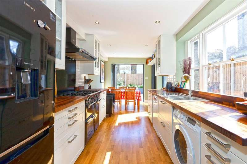 4 Bedrooms Terraced House for sale in Waterlow Road, London, N19