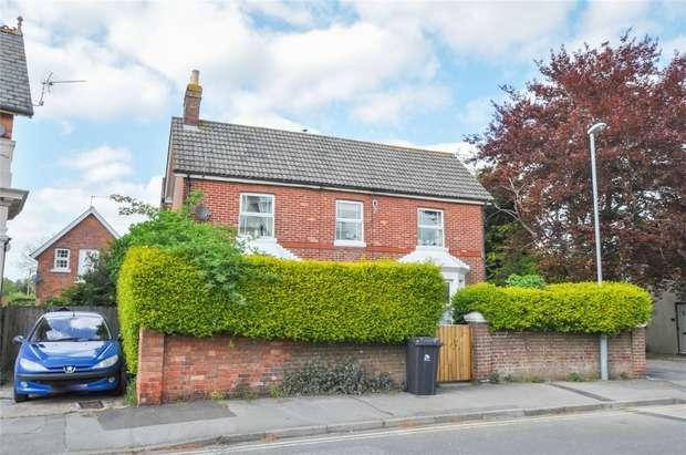 1 Bedroom Flat for sale in 22 New Borough, WIMBORNE, Dorset