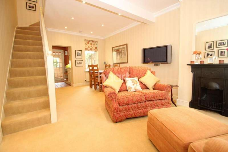 2 Bedrooms Terraced House for sale in Tennyson Road, London, E15