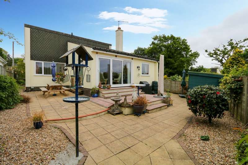 3 Bedrooms Detached Bungalow for sale in Coombe Close, Bovey Tracey