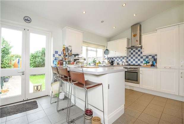 4 Bedrooms End Of Terrace House for sale in New Barns Avenue, Mitcham, Surrey, CR4