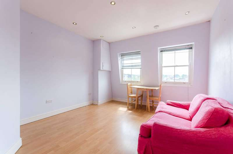 1 Bedroom Flat for sale in Rosebank Gardens North, Bow, E3