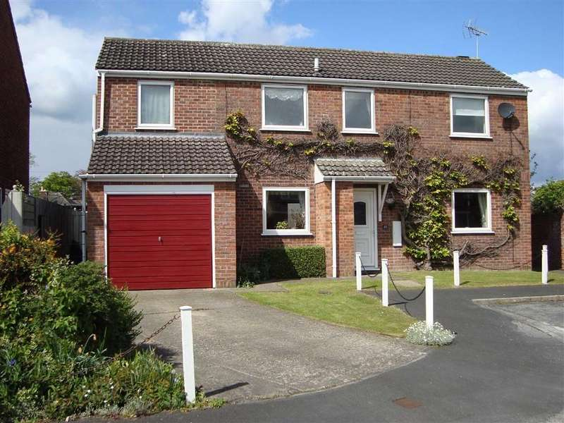 3 Bedrooms Detached House for sale in Kingstonia Gardens, Ripon