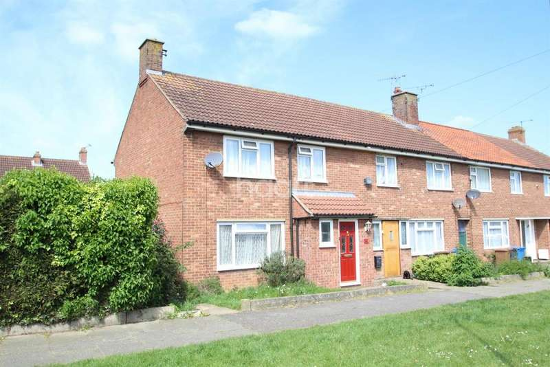 3 Bedrooms Semi Detached House for sale in Macaulay road, Ipswich