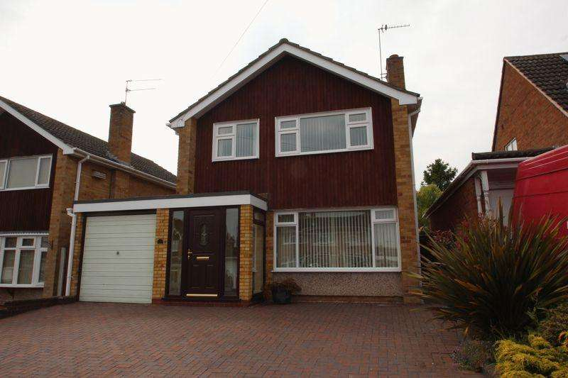3 Bedrooms Detached House for sale in St Judes Avenue, Studley